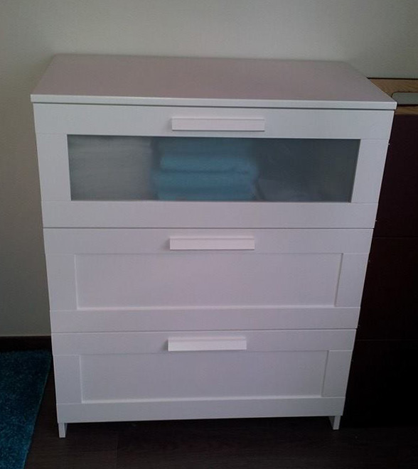 Commode a langer ikea for Commode table a langer bebe